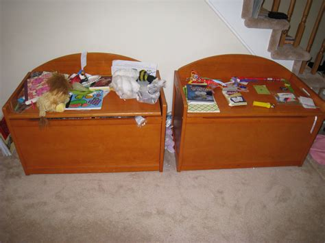 Toy Box For Living Room | organizing kid spaces in the home momhomeguide com