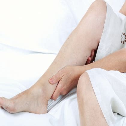 legs ache at night in bed leg pain at night in bed night crs home remedies natural