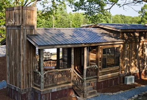 loafing roof on hill awesome ready made cabin or bug out location