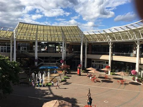 redmond town center all you need to know before you go