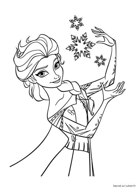 elsa magicienne est  coloriage de la reine des neiges