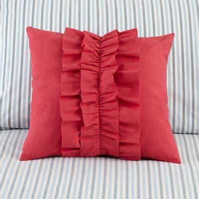 cute bed pillows best 25 ruffle pillow ideas on pinterest diy throw