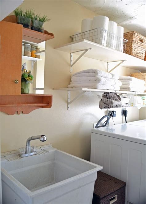 small laundry room ideas   keribrownhomes