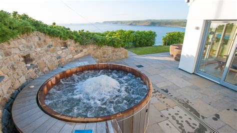 luxury cottages with tub boutique retreats approach to luxury cottages in cornwall in