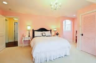 How To Decorate A Young Woman S Bedroom
