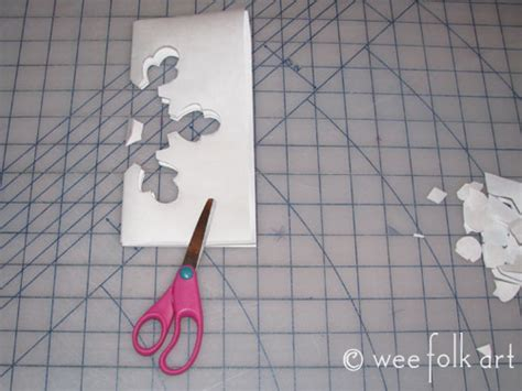 How To Make A Stencil With Tracing Paper - freezer paper snowflake stencil 187 wee folk