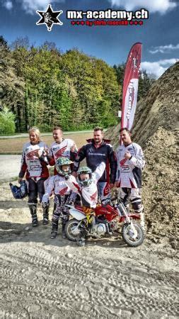 Frauen Enduro Motorrad by Motocross Fahren F 252 R Frauen Kinder Und M 228 Nner Bild Von