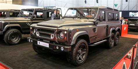 land rover defender 2017 6x6 the 6x6 land rover defender is just so weird looking