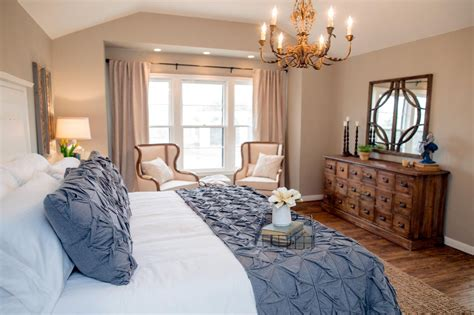 Joanna Gaines Master Bedroom Fixer Country Style In A Small Town Hgtv S