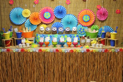 hawaiian table decorations ideas best 25 luau centerpieces ideas on laua