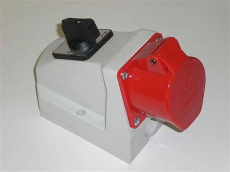 wandle mit stecker und schalter 32a cee wandsteckdose combo schalter ip44 5 polig