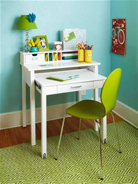 study desks small bedrooms