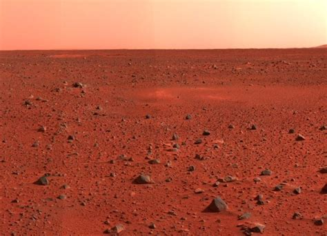 what gives mars its color why is mars