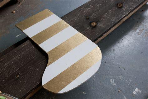 Gantungan Di Pintu Door Hanger diy wooden door hanger erin spain