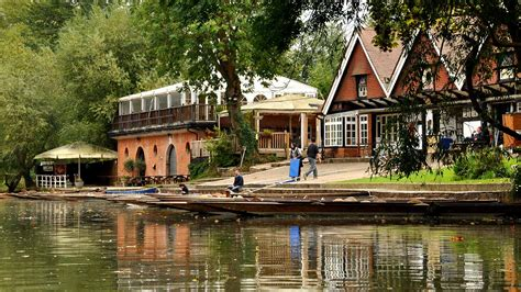 boat house hotel boat house inn 28 images luxury houseboat i curiosity