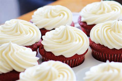 cara membuat whipped cream menggunakan mentega putih resep dan cara membuat butter cream sederhana enak dan lembut