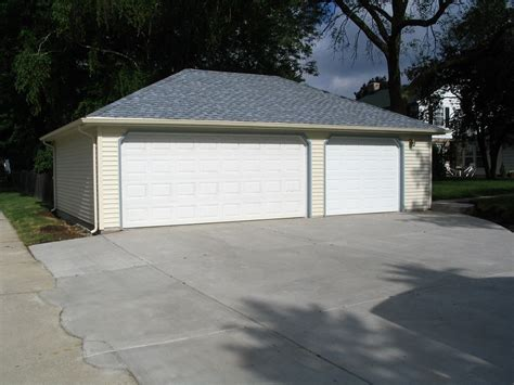 three car garage 3 car garages classic builders