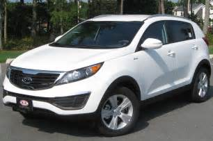 Kia Sportage 2 Spec Kia Sportage 2 0 2013 Auto Images And Specification