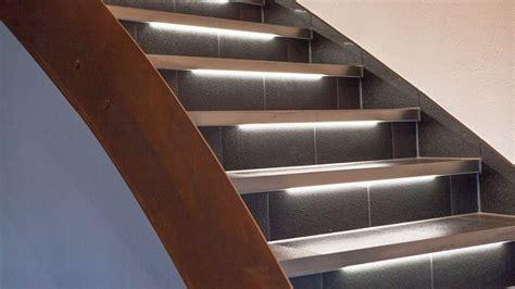 treppenstufen beleuchtung led treppen beleuchten mit schl 252 ter 174 liprotec schl 252 ter systems