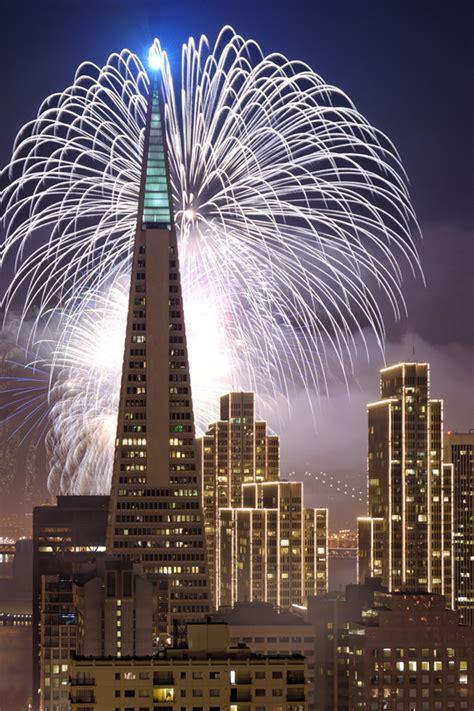 new year fireworks san francisco transamerica pyramid new year s fireworks 2