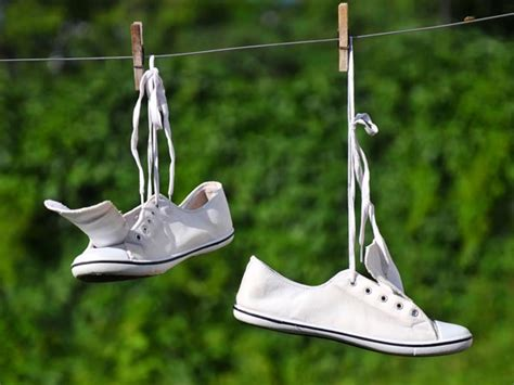 clean white shoes at home tips boldsky