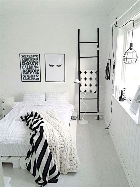 minimalist black and white bedroom ideas