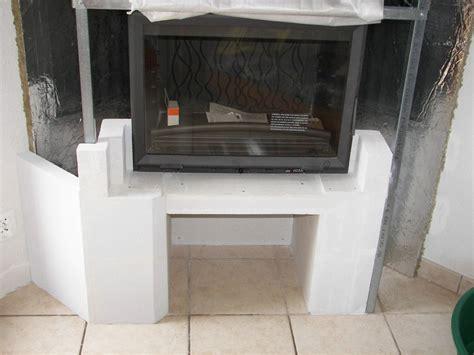 cheminee beton cellulaire habillage de la hotte chemin 233 e 224 foyer ferm 233
