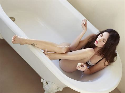 jesse jane bathtub top hottest celebrity female s legs and feet djuff