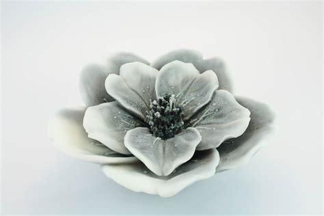 candele a fiore candela fior di ciliegio profumata muschio bianco
