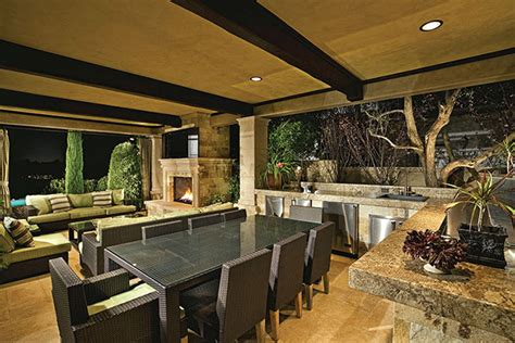 Outdoor Kitchens Part 1: Appliances, Countertops, Cabinets
