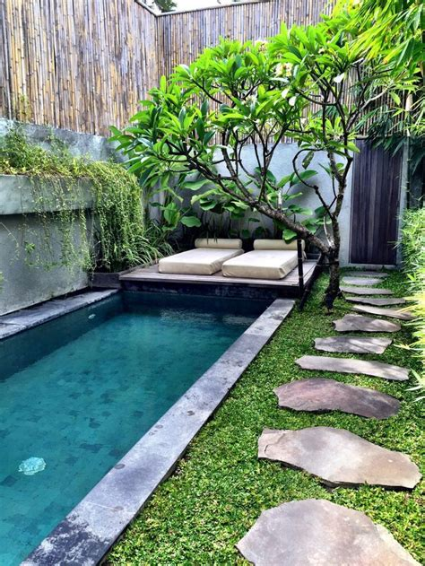 Small Backyard Design Plans by Best 25 Small Backyard Pools Ideas On