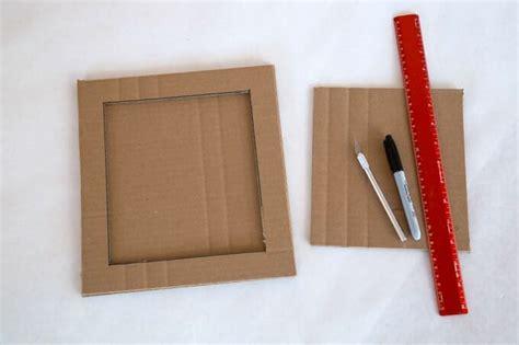 Handmade Cardboard Photo Frames - diy cardboard frame with as a handmade gift idea