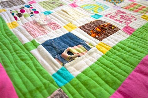 Make A Baby Quilt by How To Make A Baby Clothes Quilt Favequilts