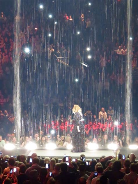 adele i set fire to the rain file adele sings set fire to the rain genting arena march
