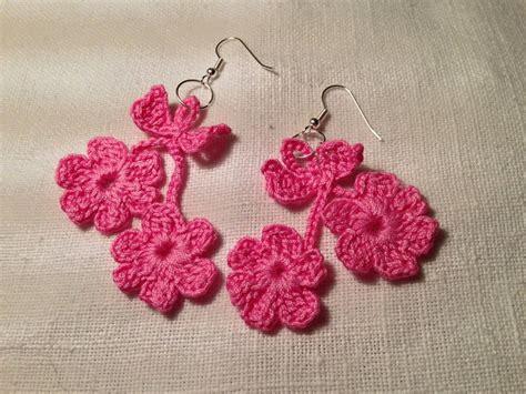 fiori fatti con l uncinetto orecchini 2 fiori fiorellini flowers pendenti fatti a mano