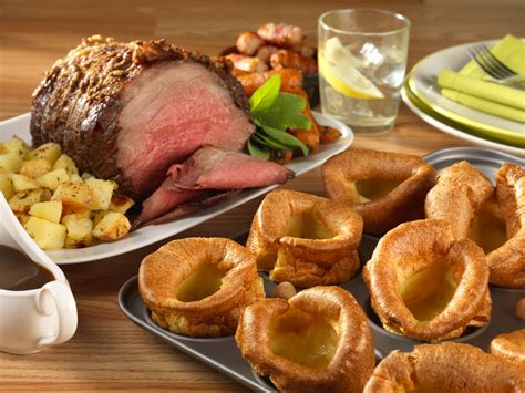 roast dinners traditional sunday roast yorkshire puddings england uk typical foods you will encounter when visiting england