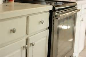 painting kitchen cabinet hardware easy kitchen updates knobs pulls the inspired room