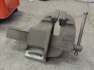dawn bench vice bench vice dawn 125 auction 0184 8000039 graysonline