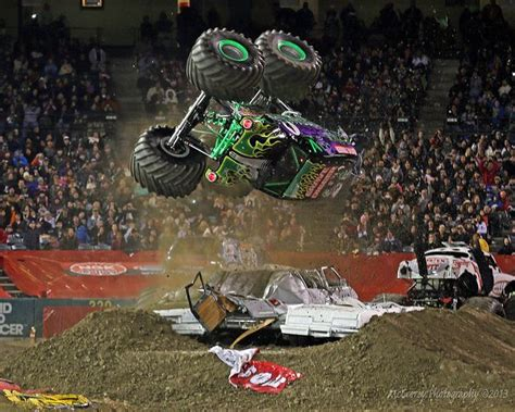 trucks grave digger crashes 17 best images about gravedigger on virginia