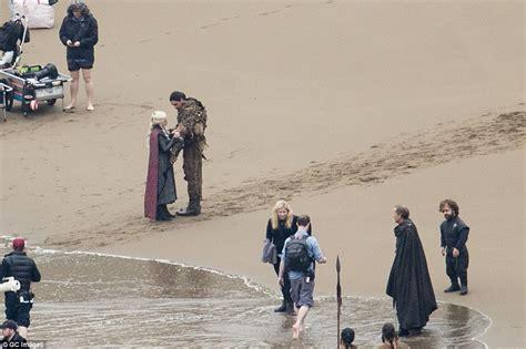 cast game of thrones dragonstone emilia clarke and kit harington film poignant goodbye for