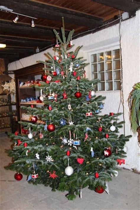 weihnachtsb 228 ume aus der region