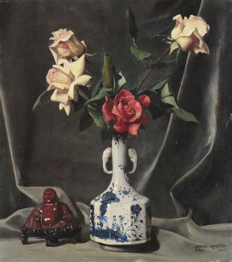 in un vaso di porcellana in un vaso di porcellana e buddha cinese 1945