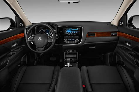 2015 mitsubishi outlander interior 2014 mitsubishi outlander first drive automobile magazine