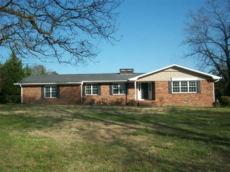 Cabins In Dalton Ga by 208 Sharondale Dr Dalton 30721 Reo Home Details