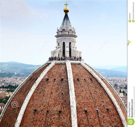 brunelleschi santa fiore tourists on the dome of florence cathedral editorial