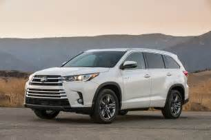 Toyota Highlander Hybrid 2017 Toyota Highlander Hybrid Reviews And Rating Motor Trend
