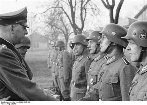 film dokumenter ww2 nazi jerman foto upacara dan penyerahan medali polizei