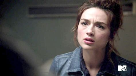 teen wolf crystal reed 2016 wait crystal reed is coming back to teen wolf