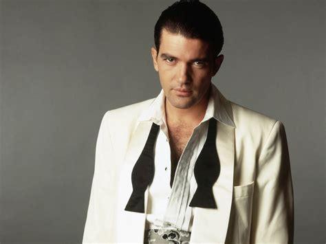 A Antonio antonio banderas actor profile picture bio