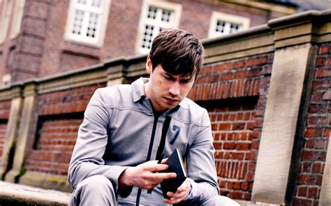 Boy 7 2015 Film Boy 7 Film 2015 Kritik Trailer Kinos